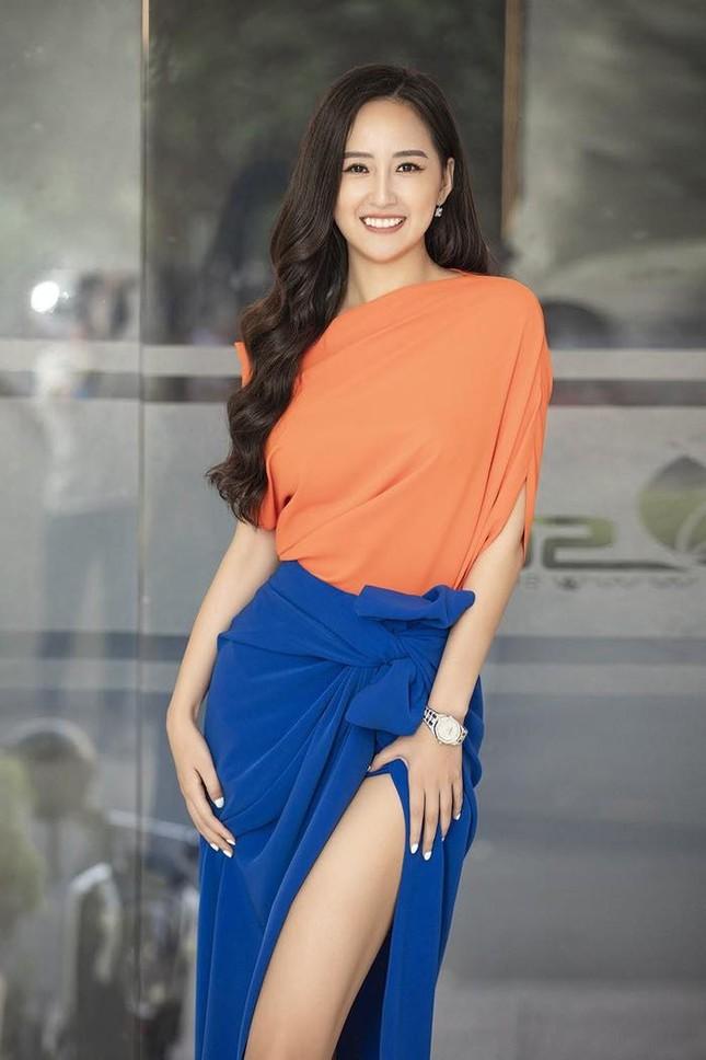 Ngọc Lan xin ứng tuyển làm vợ hoàng tử Brunei; Hoa hậu Kỳ Duyên đọ sắc bên siêu mẫu Hà Anh ảnh 5
