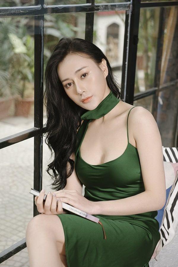 Ngọc Lan xin ứng tuyển làm vợ hoàng tử Brunei; Hoa hậu Kỳ Duyên đọ sắc bên siêu mẫu Hà Anh ảnh 11