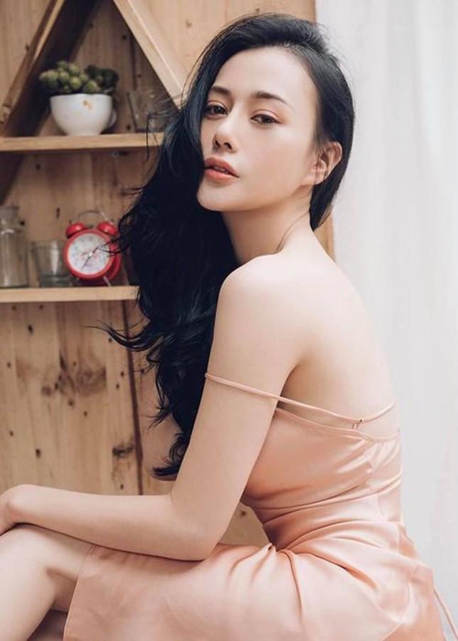 Ngọc Lan xin ứng tuyển làm vợ hoàng tử Brunei; Hoa hậu Kỳ Duyên đọ sắc bên siêu mẫu Hà Anh ảnh 12