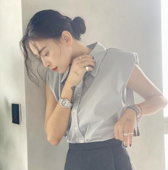 Phạm Quỳnh Anh diện bikini khoe sắc vóc mẹ 2 con, Ngô Thanh Vân liên tục thả tính trên MXH ảnh 13