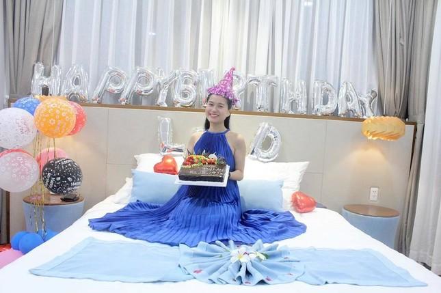 Phạm Quỳnh Anh diện bikini khoe sắc vóc mẹ 2 con, Ngô Thanh Vân liên tục thả tính trên MXH ảnh 20