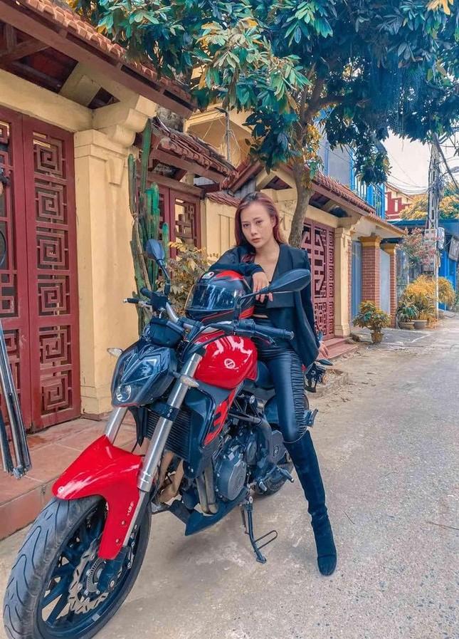 Phạm Quỳnh Anh diện bikini khoe sắc vóc mẹ 2 con, Ngô Thanh Vân liên tục thả tính trên MXH ảnh 4