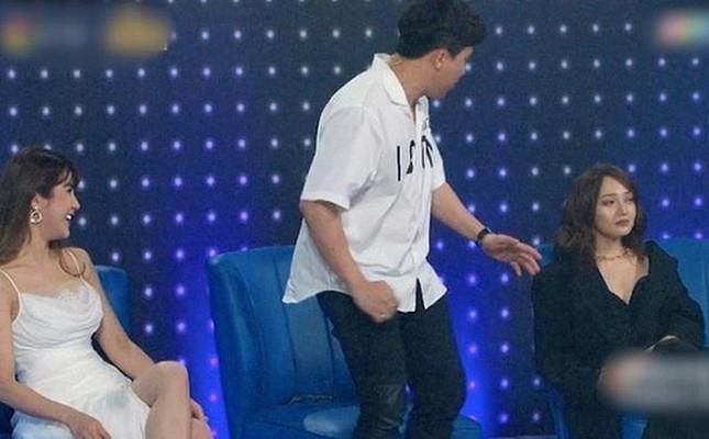 """Cảnh đam mỹ trong MV của Noo Phước Thịnh gây """"sốc""""; bị nhắc tới người cũ, Bảo Anh khó chịu ảnh 13"""