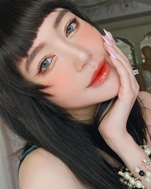 Elly Trần gây bất ngờ vì đổi kiểu tóc; Đặng Thu Thảo được khen quá xinh đẹp dù đã 2 con ảnh 16