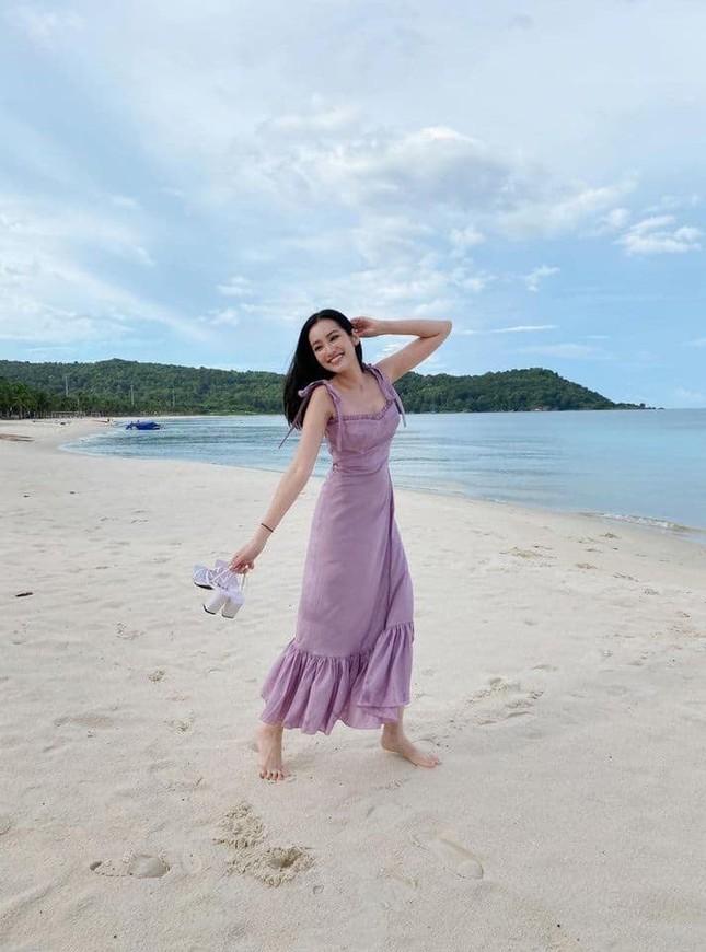Elly Trần gây bất ngờ vì đổi kiểu tóc; Đặng Thu Thảo được khen quá xinh đẹp dù đã 2 con ảnh 21