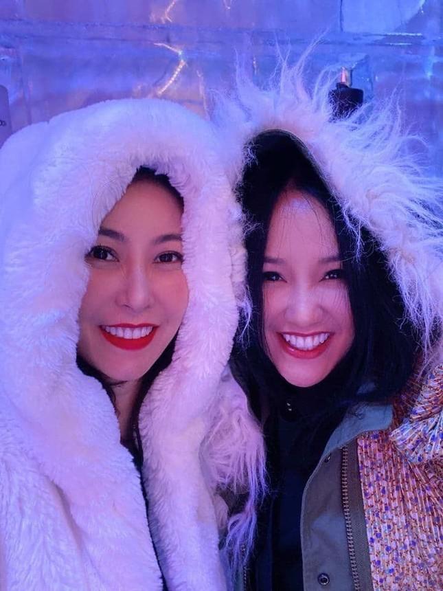 Elly Trần gây bất ngờ vì đổi kiểu tóc; Đặng Thu Thảo được khen quá xinh đẹp dù đã 2 con ảnh 3