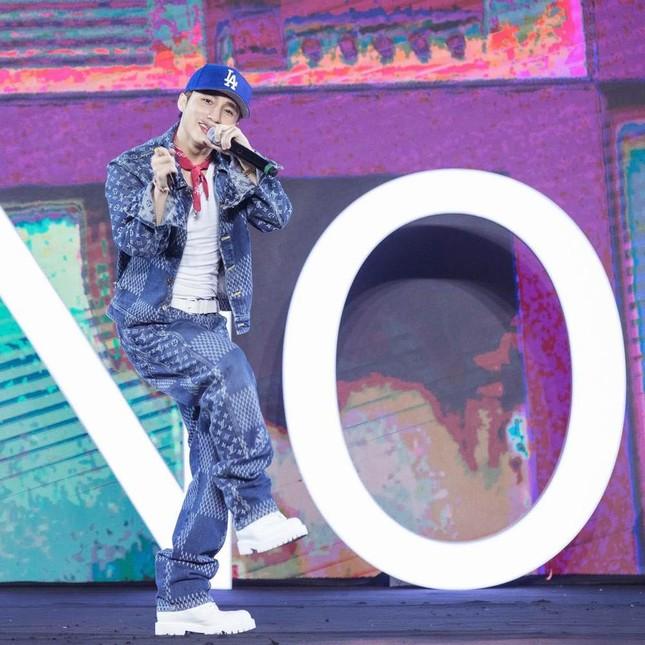 """Đại gia Minh Nhựa """"rap"""" về Wowy trên xe siêu sang 50 tỷ khiến cư dân mạng xôn xao ảnh 29"""