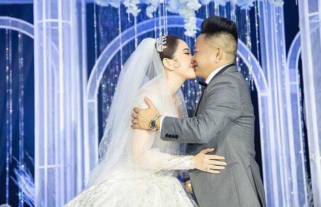Hương Giang đầu tư nhẫn kim cương 3 tỷ đồng; Bảo Thanh thông báo tin vui mang thai ảnh 23