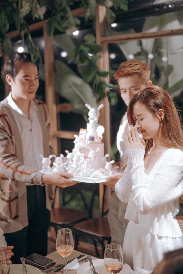 Lâm Vỹ Dạ khoe vai trần gợi cảm; Hậu ly hôn, Phạm Quỳnh Anh ngày càng tăng hạng nhan sắc ảnh 26