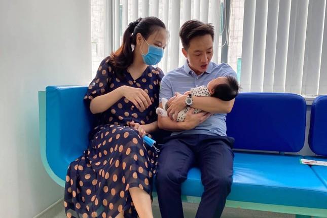 Lâm Vỹ Dạ khoe vai trần gợi cảm; Hậu ly hôn, Phạm Quỳnh Anh ngày càng tăng hạng nhan sắc ảnh 1