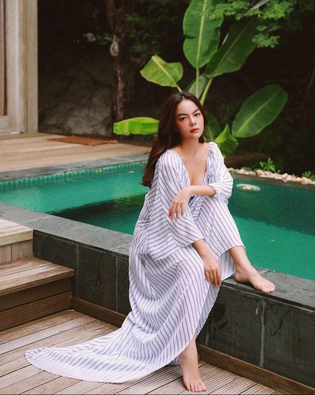 Lâm Vỹ Dạ khoe vai trần gợi cảm; Hậu ly hôn, Phạm Quỳnh Anh ngày càng tăng hạng nhan sắc ảnh 11