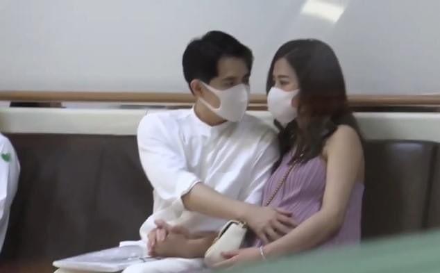 Lâm Vỹ Dạ khoe vai trần gợi cảm; Hậu ly hôn, Phạm Quỳnh Anh ngày càng tăng hạng nhan sắc ảnh 19
