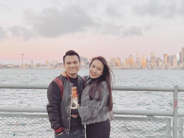 Đông Nhi được chồng bất ngờ tặng quà sau sinh; Lưu Hương Giang sang chảnh dù mấp mé 40 ảnh 18