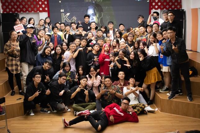 Rapper Tlinh chia sẻ con đường chinh phục ước mơ cùng các bạn sinh viên ảnh 6