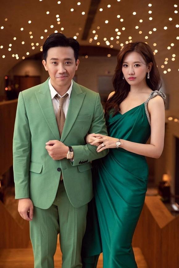Sao Việt thi nhau đăng ảnh theo trào lưu cũ - mới; Bảo Anh bất ngờ hôn má Dương Triệu Vũ ảnh 4