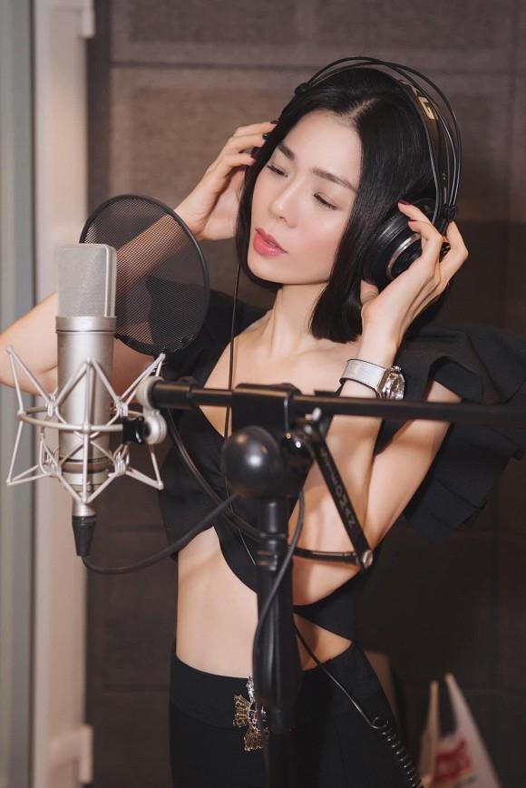 """Thủy Tiên dành thời gian chăm sóc bản thân; Trấn Thành bên quán quân và á quân """"Rap Việt"""" ảnh 5"""