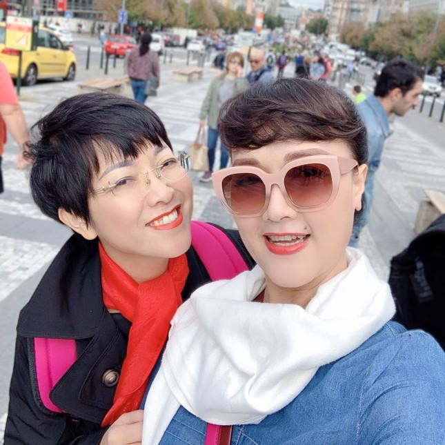 Thuỷ Tiên gửi lời cảm ơn tới những người ủng hộ; Bộ ba HLV Rap Việt đi thư giãn ảnh 10