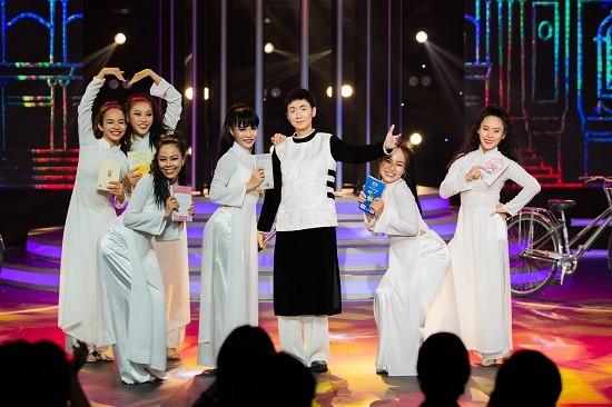 Trang Trần ngày càng nữ tính; Đỗ Mỹ Linh được khen hết lời tại Chung kết Hoa hậu Việt Nam ảnh 9