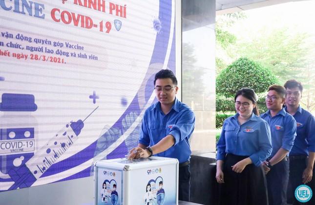 Sinh viên trường ĐH Kinh tế - Luật góp 50 triệu đồng mua vắcxin COVID-19 ảnh 1