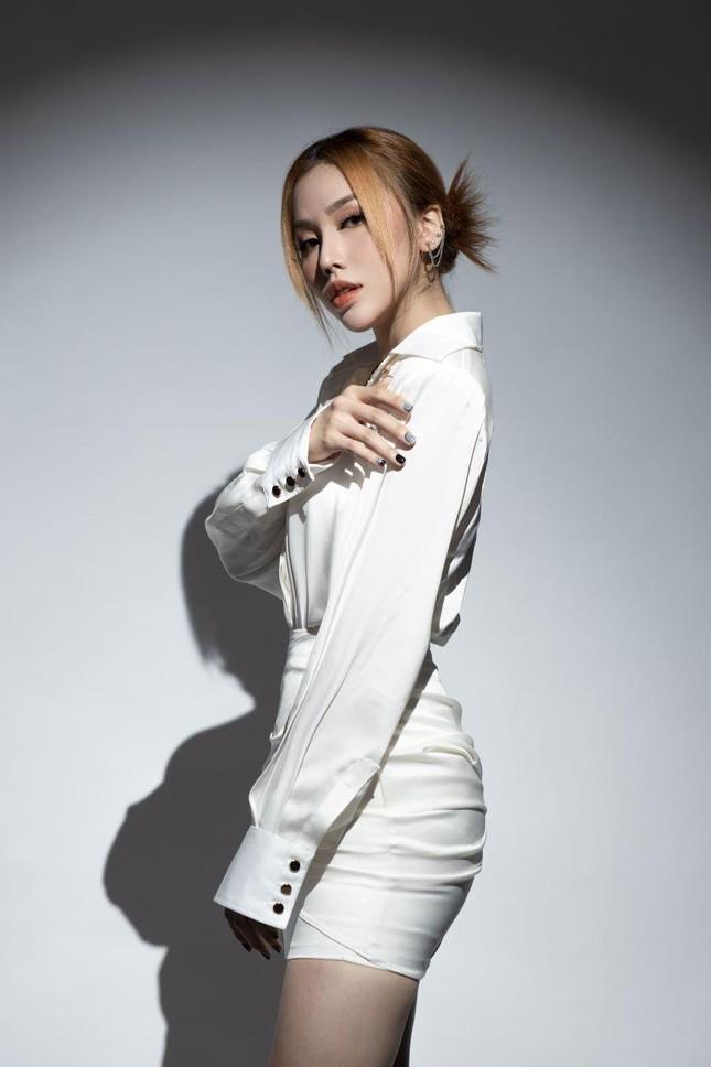 Học trò tung MV debut, 'hit maker' Vương Anh Tú tái xuất với dự án lớn ấp ủ mất 2 năm ảnh 11
