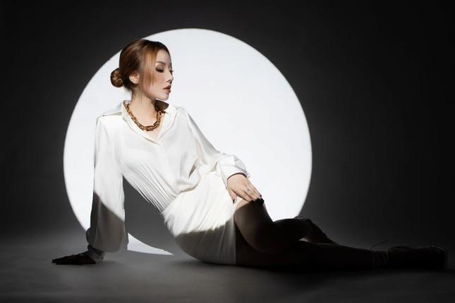 Học trò tung MV debut, 'hit maker' Vương Anh Tú tái xuất với dự án lớn ấp ủ mất 2 năm ảnh 9