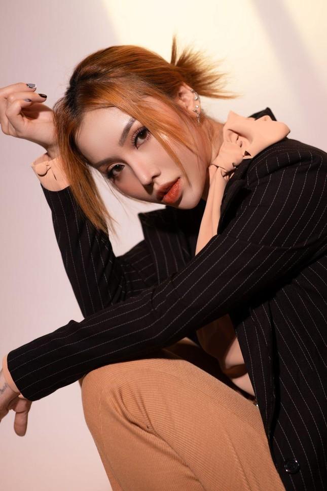 Học trò tung MV debut, 'hit maker' Vương Anh Tú tái xuất với dự án lớn ấp ủ mất 2 năm ảnh 7