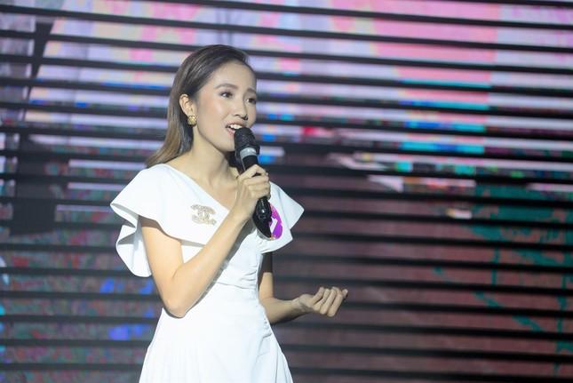 Từ CLB phát thanh ở Ký túc xá đến sân khấu chuyên nghiệp của Khánh Linh  ảnh 5