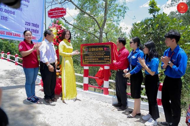 """Khánh thành cầu """"Giải Phóng"""" tại Hậu Giang do trường ĐH Văn Lang trao tặng.  ảnh 1"""