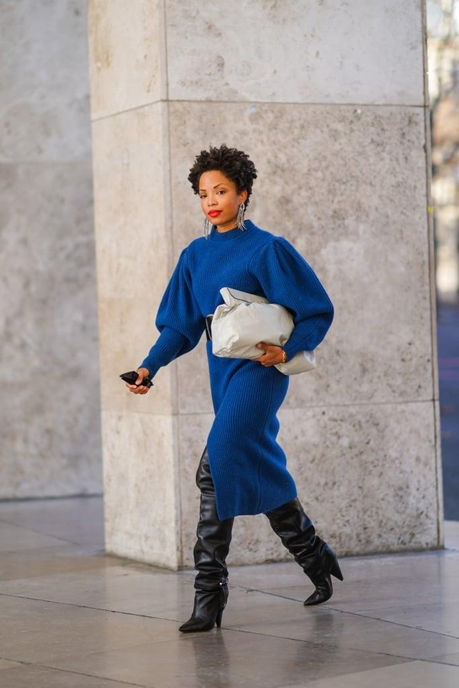 """4 mẫu túi xách cổ điển """"hot"""" trở lại, phong cách nữ tính và thanh lịch lại lên ngôi Hè này ảnh 4"""