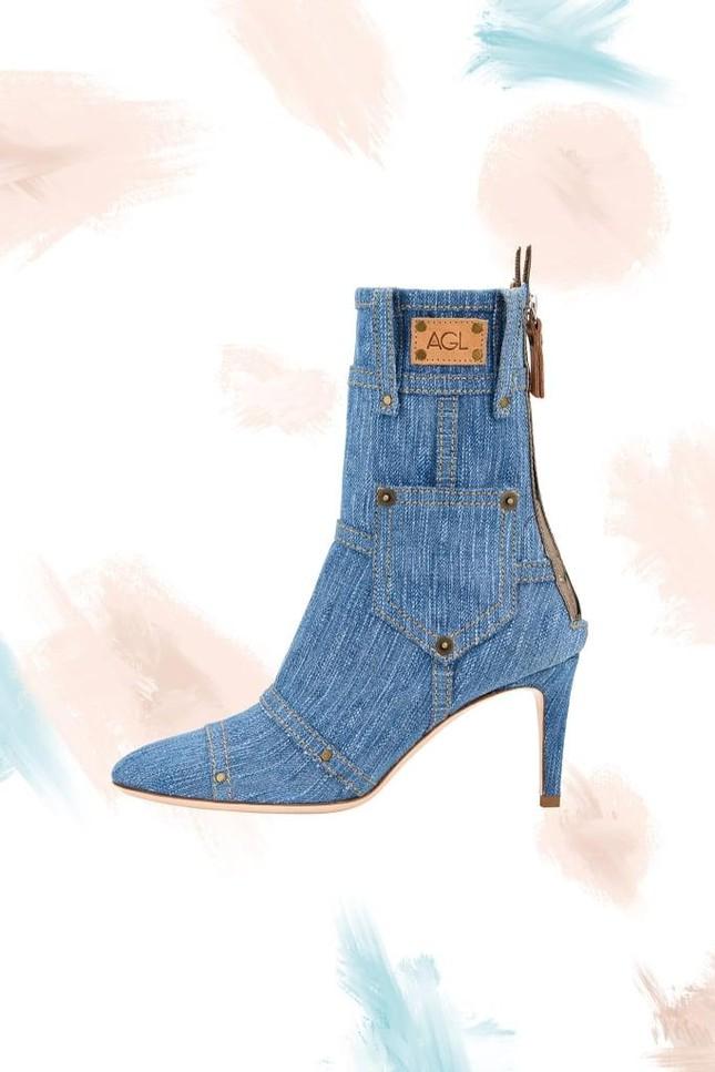 """Denim và đan dệt - hai chất liệu """"hot"""" nhất Xuân Hè năm nay, phủ sóng đến cả xu hướng giày ảnh 4"""