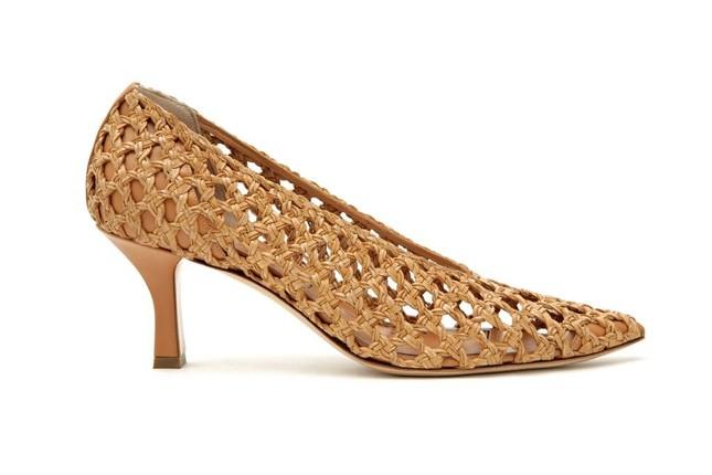 """Denim và đan dệt - hai chất liệu """"hot"""" nhất Xuân Hè năm nay, phủ sóng đến cả xu hướng giày ảnh 2"""