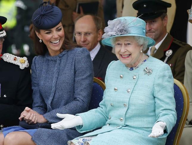 Những dịp nào Meghan Markle được đội mũ mà không cần thân phận hoàng gia? ảnh 1