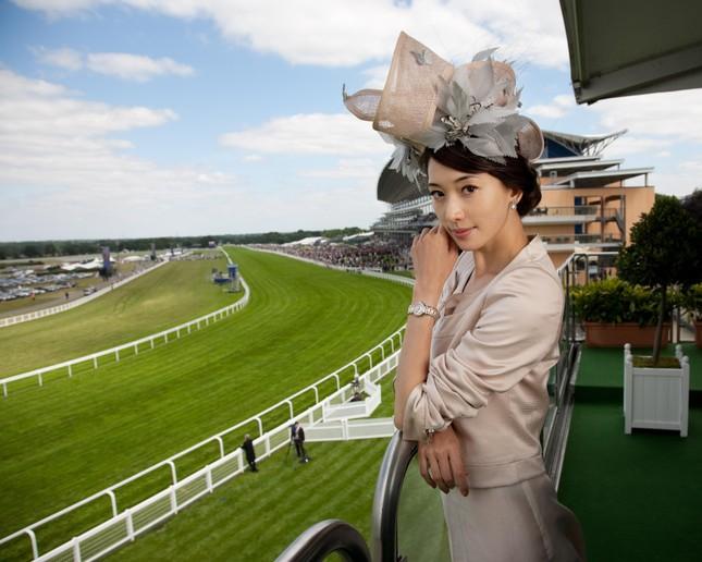 Những dịp nào Meghan Markle được đội mũ mà không cần thân phận hoàng gia? ảnh 5