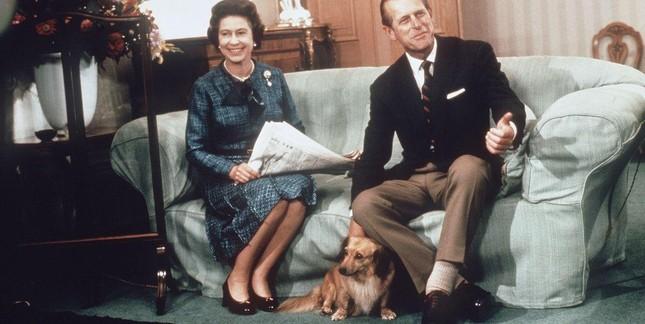 5 bí quyết giúp hôn nhân của Nữ hoàng Elizabeth II và Hoàng thân Philip bền vững 70 năm ảnh 3