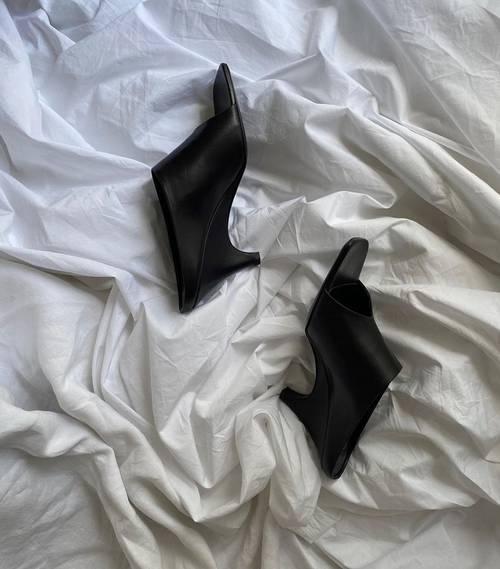 """Đón đầu xu hướng: Nếu sở hữu một trong những đôi giày này, bạn đang bắt """"trend"""" đấy! ảnh 6"""