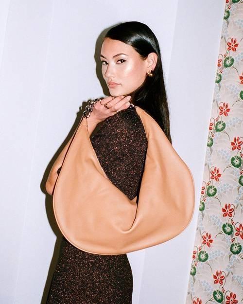 Teardrop Bags - dáng túi giúp bạn tăng like, tim vùn vụt trên mạng xã hội ảnh 7