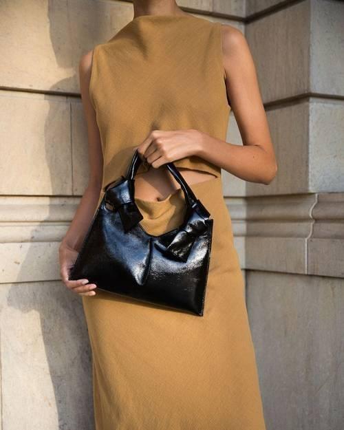 Teardrop Bags - dáng túi giúp bạn tăng like, tim vùn vụt trên mạng xã hội ảnh 6