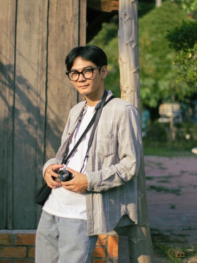 """Đồng Tháp sống động """"như phim"""" qua tranh vẽ của chàng sinh viên Đỗ Minh Hải ảnh 1"""