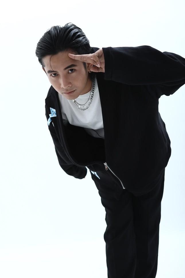"""Rapper Ricky Star: """"Trách nhiệm của nghệ sĩ trong xã hội là kết nối những trái tim""""  ảnh 1"""