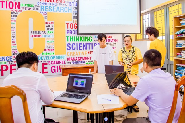 VKU hỗ trợ 2 tỷ đồng học bổng cho tân sinh viên ảnh 1