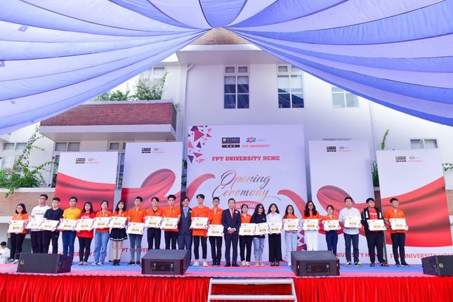 Trường ĐH FPT khai giảng năm học 2020 - 2021 ảnh 2