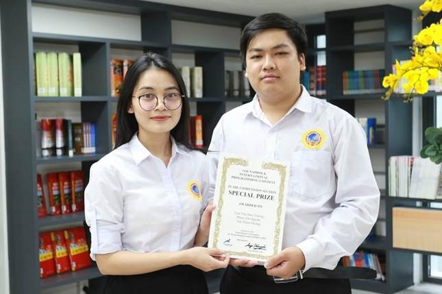Sinh viên trường ĐH Quốc tế Sài Gòn giành giải Đặc biệt tại PROCON 2020 ảnh 1