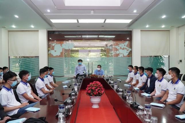 Vừa tốt nghiệp, 24 sinh viên trường ĐH Bách khoa (ĐH Đà Nẵng) thành sĩ quan dự bị  ảnh 1