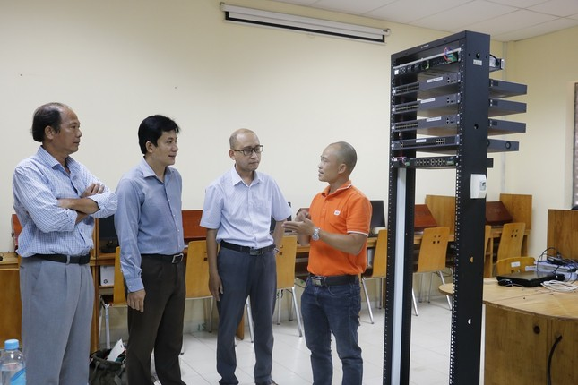FPT Telecom tặng phòng lab cho 4 trường đại học ảnh 2