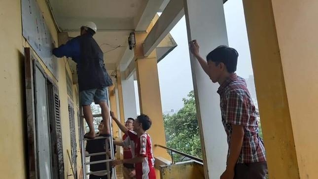 """Các trường ứng phó kịp thời, đảm bảo an toàn cho sinh viên trước """"siêu bão"""" số 9 ảnh 1"""