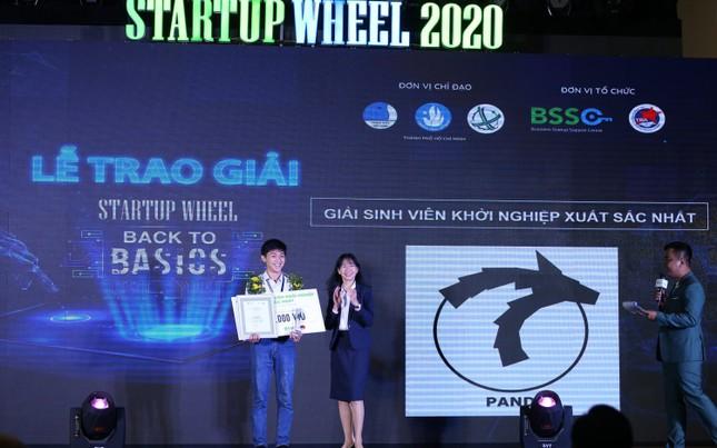 """Những sinh viên biến rác thải thành gạch và chiến thắng """"Startup Wheel 2020"""" ảnh 1"""