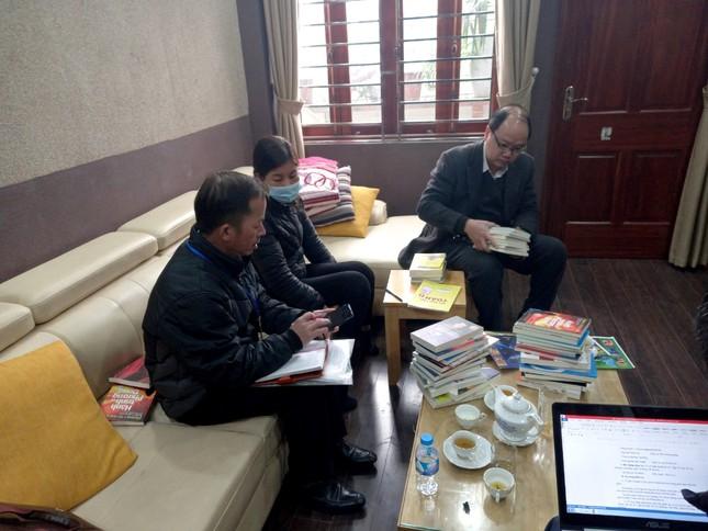 Thu giữ gần 40.000 cuốn sách giả  tại 2 địa điểm ở Hà Nội ảnh 2