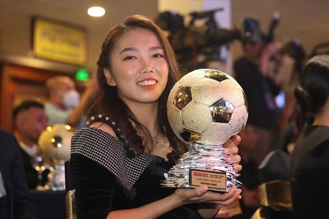 """Một năm """"đáng quên"""" nhưng đáng nhớ của nữ cầu thủ sinh viên Huỳnh Như ảnh 1"""