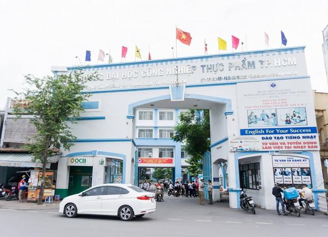 Lo ngại COVID-19, trường ĐH Công nghiệp Thực phẩm TP. HCM cho sinh viên nghỉ Tết sớm ảnh 1