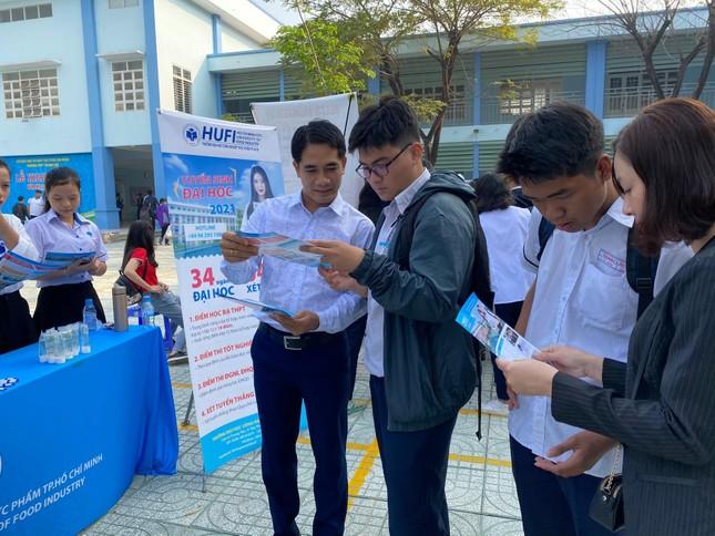 Trường ĐH Công nghiệp thực phẩm TP. HCM bắt đầu nhận hồ sơ xét tuyển học bạ ảnh 1